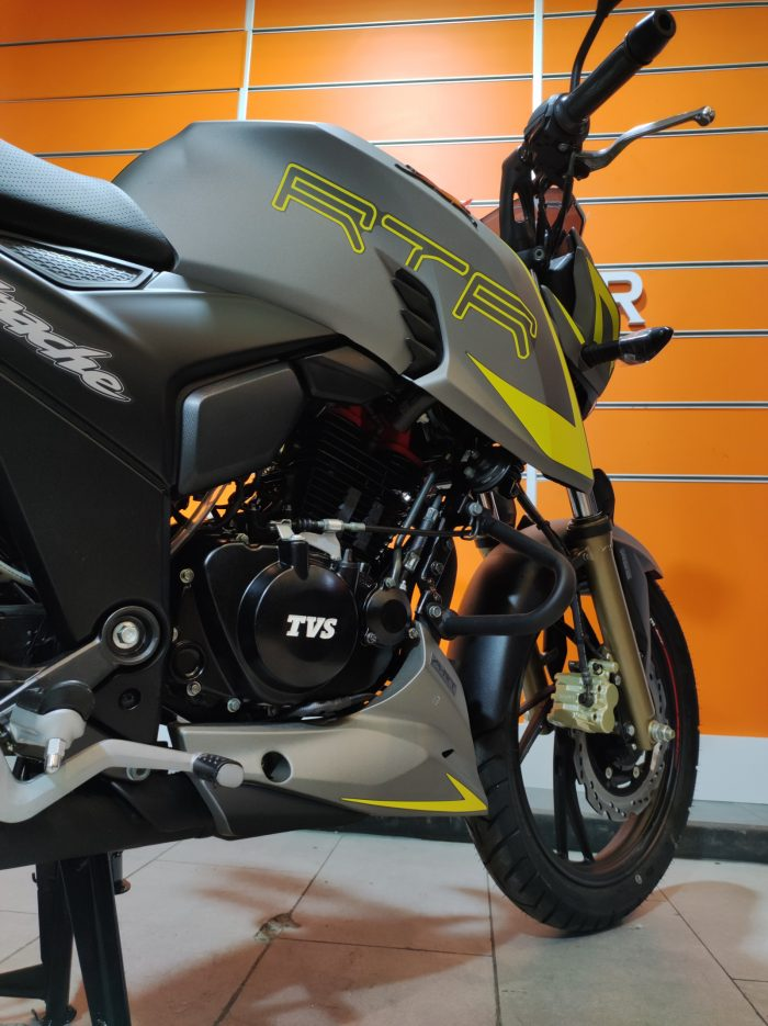 TVS Apache RTR 200 2020 Model Sıfır Kilometre Senetle Motosiklet Beyaz 10