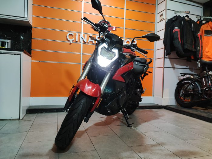 Voge 500R 2021 Model Sıfır Kilometre Senetle Motosiklet 8